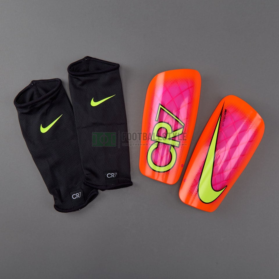 Футбольные щитки Nike CR7 Mercurial Lite (Cristiano Ronaldo). Суперцена e87f97888b041